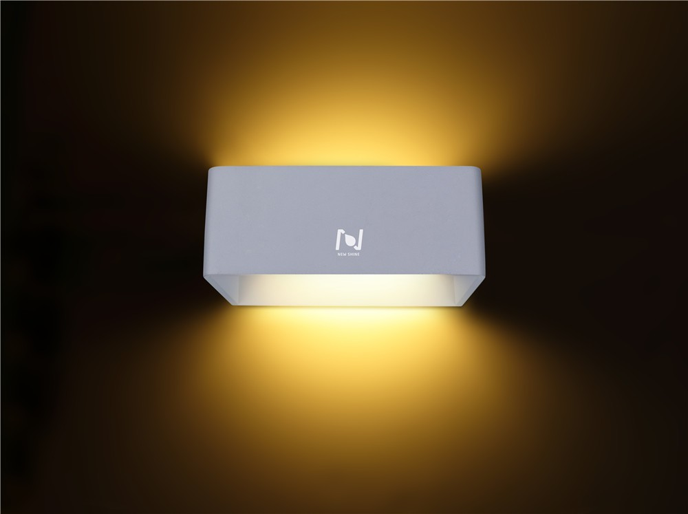 Hot sale Alu+PMMA material indoor wall mounted 10w LED wall light LL030210